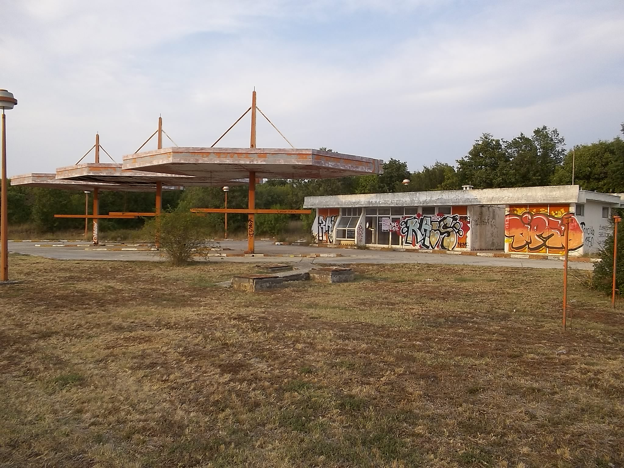 Graffity City (3) – Tankstelle irgendwo im Nirgendwo